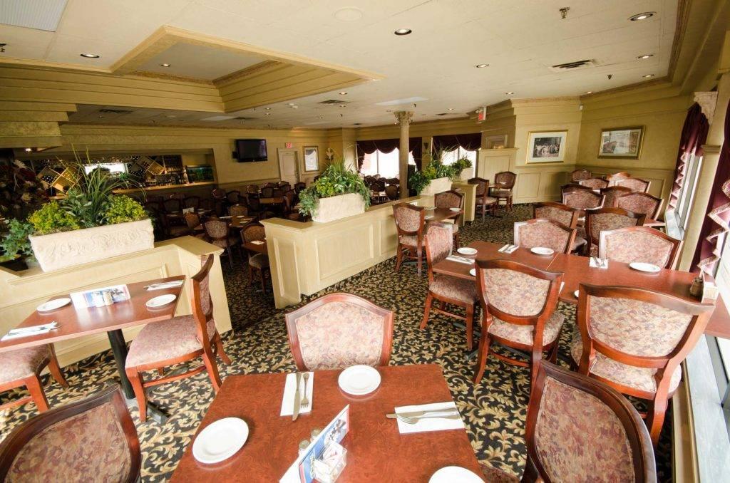 Dinning Room- Authentic Italian Cuisine - Roma Italian Restaurant